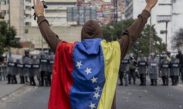 Venezuela'da Başarısız Darbe Girişimi