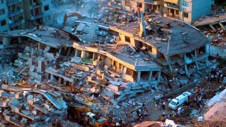Deprem Gerçeği ve Devrimci Komünist Tutum
